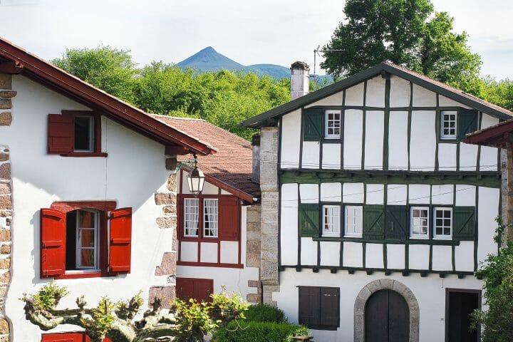 Ainoa, beau village du Pays basque, sud ouest de la France