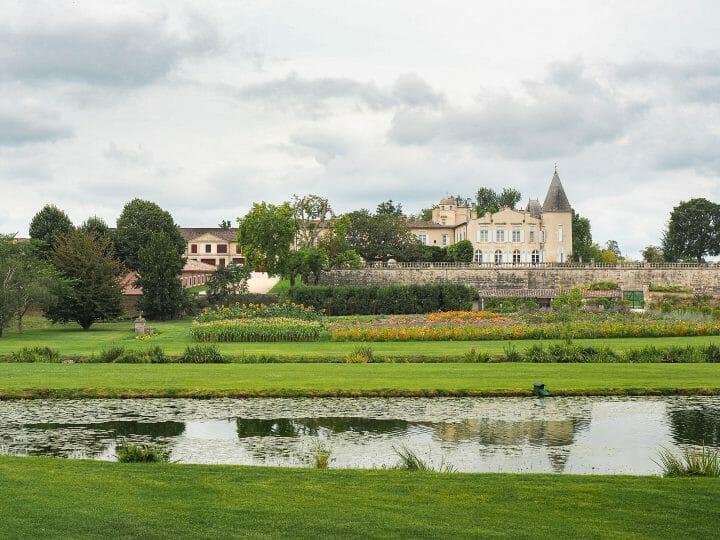Jardins du chateau Lafite Rothschild, grand cru de Pauillac sur la route des vins du Médoc